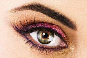 groene opgemaakte ogen