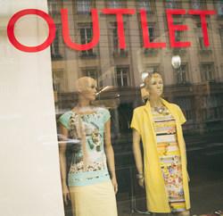 outlet fashion