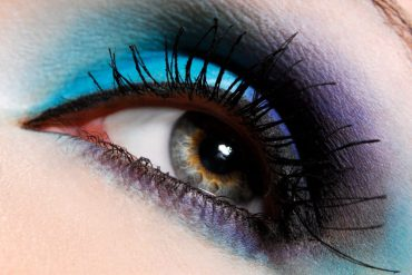 blauwe oogschaduw