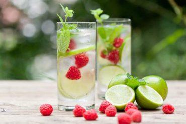 water met een fruit smaakje