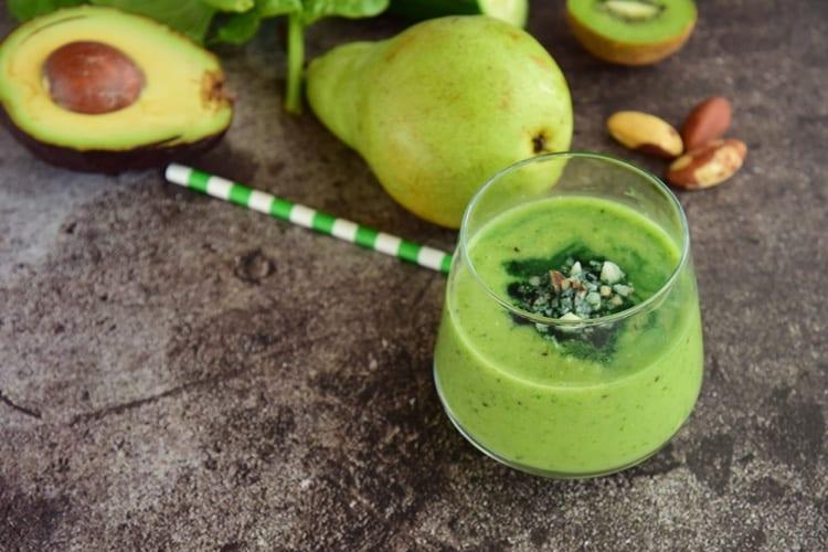 smoothie met avocado peer kiwi