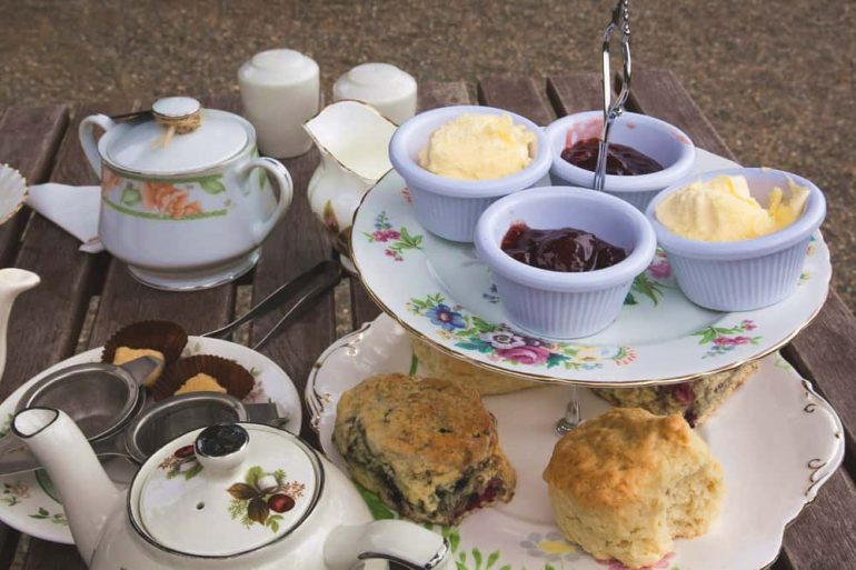 Zeer High tea organiseren, tips en recepten | Kook Rubriek #EM61