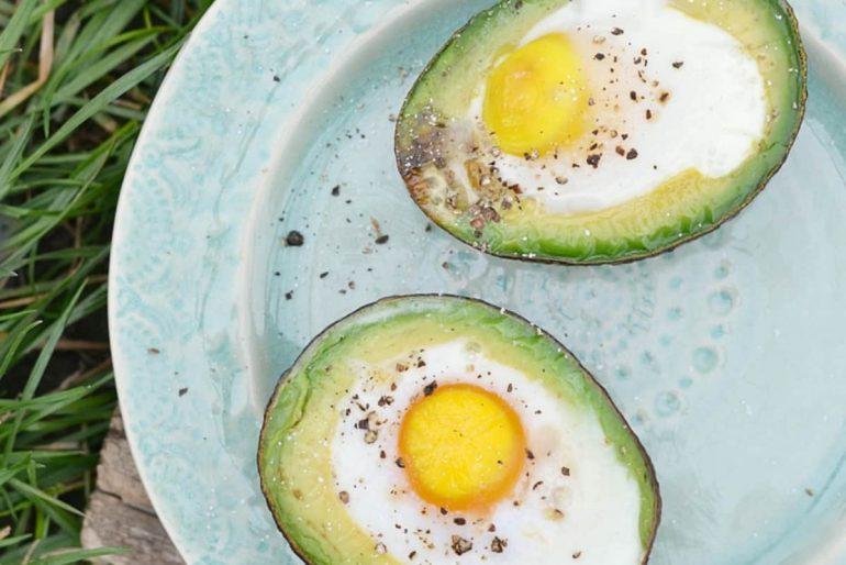avocado gevuld met ei