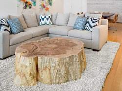 Trend een grote houten tafel lifestyle rubriek